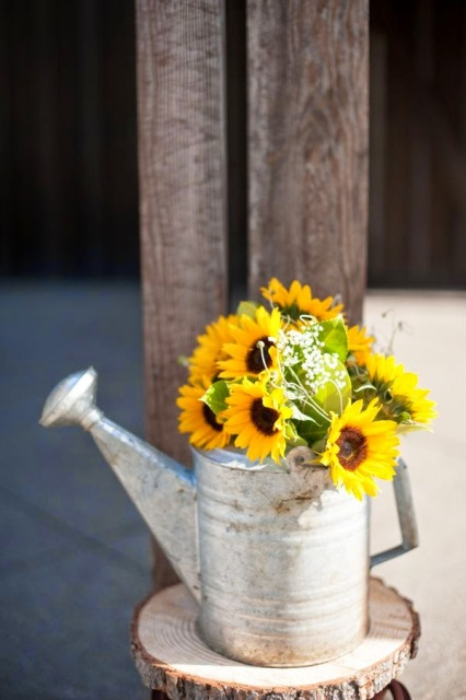 Watering can vase for weddings
