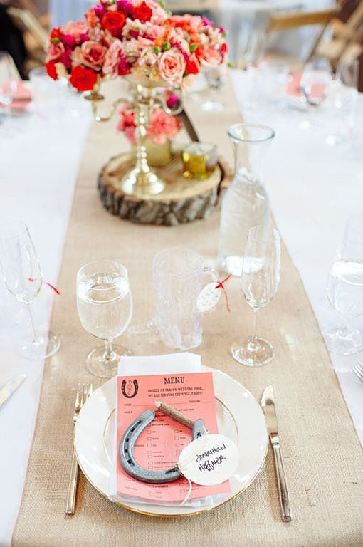burlap, horseshoes and simple colorful menus will make your table rustic and cowgirl like