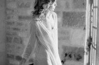 delicate-bridal-boudoir-shoot-sunstone-villa-12