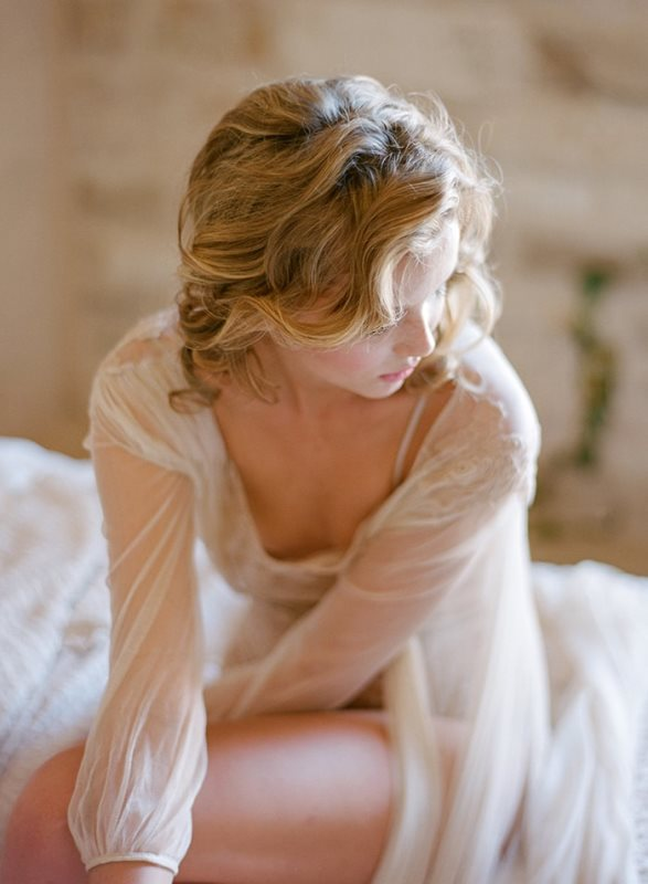 Picture Of delicate bridal boudoir shoot sunstone villa  6