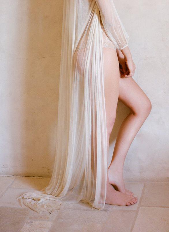 Picture Of delicate bridal boudoir shoot sunstone villa  9