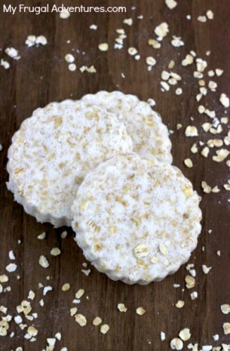 Homemade Oatmeal Bath Bombs (via myfrugaladventures)