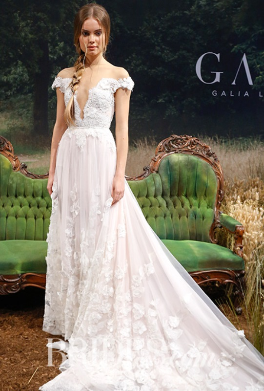 Picture Of the hottest wedding trend 19 bridal dresses with exposed shoulders  12