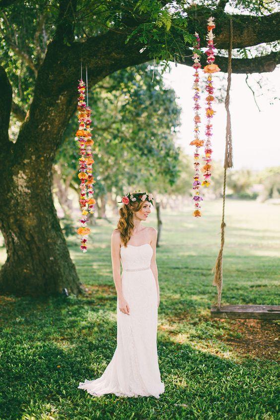 strapless light wedding dress