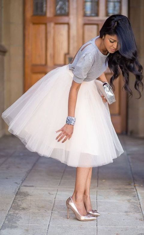 20 Chic Fall Bridal Shower Outfits For Brides - Weddingomania