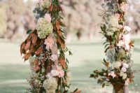 29 floral arch with brown leaves