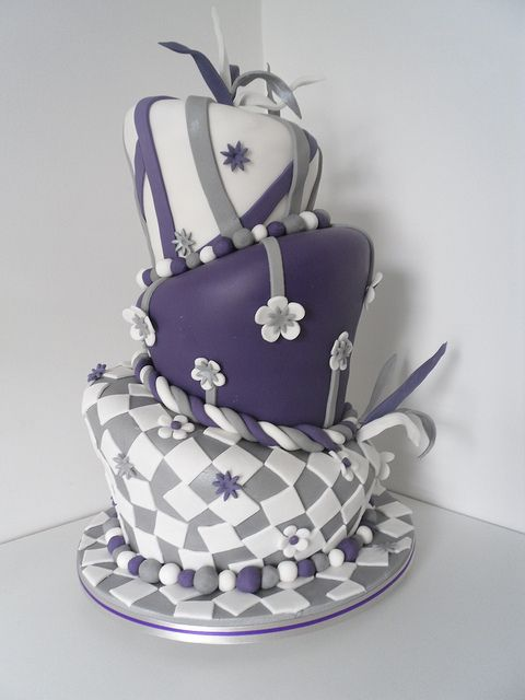 Funny topsy turvy wedding cake
