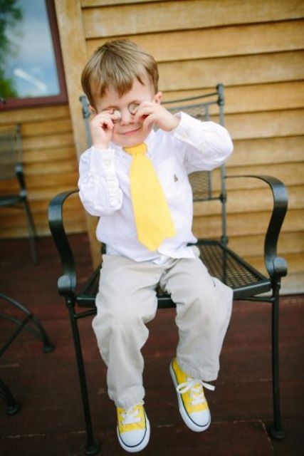 Ring bearer look with colorful accessories