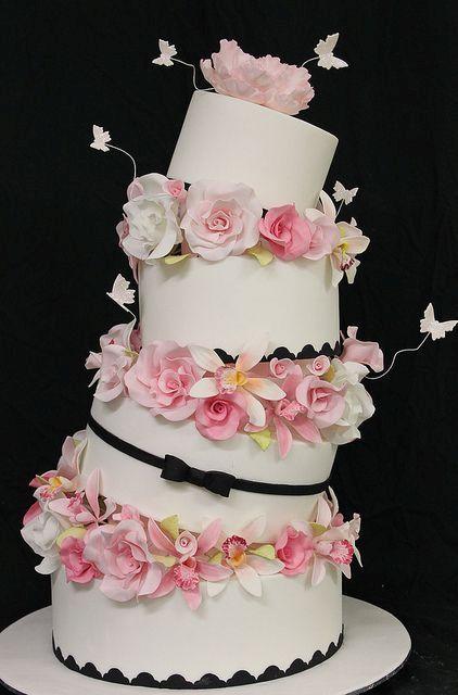 Romantic topsy turvy wedding cake