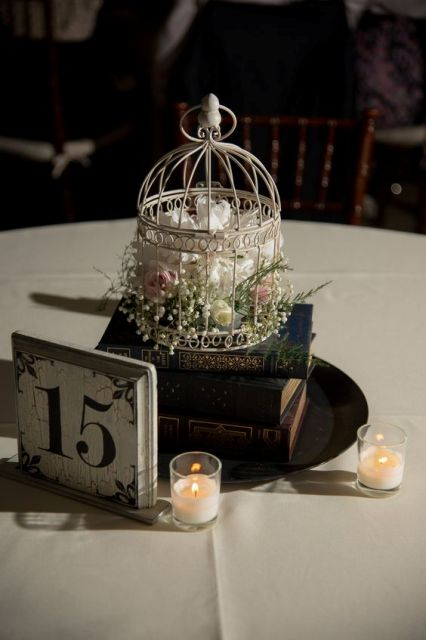 Table number with a birdcage