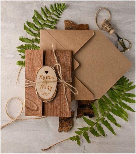 Wedding invitation with wood envelope