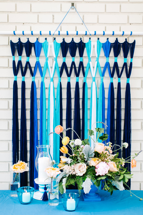 DIY colorful yarn backdrop (via ruffledblog)