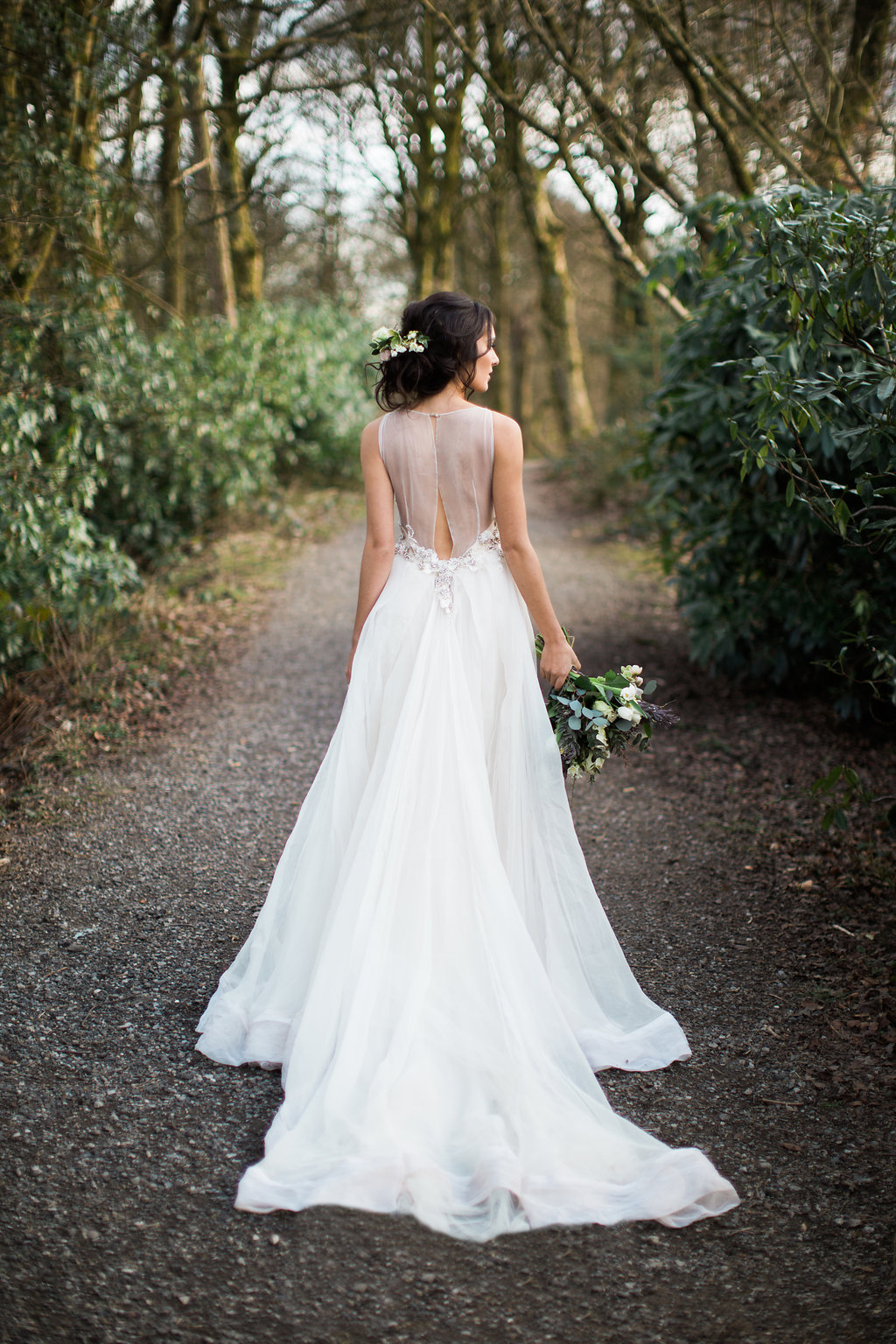 Inspirational woodland wedding shoot weddingomania for Nature inspired wedding dresses