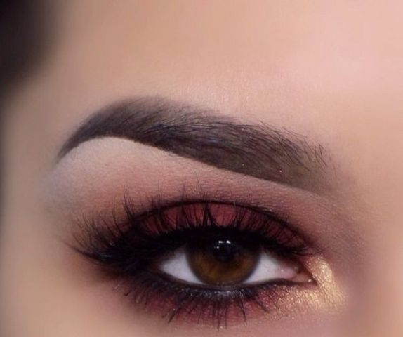 marsala and gold smokey eyes