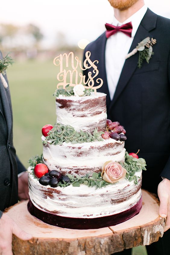fall wedding cake decorated with seasonal fruit