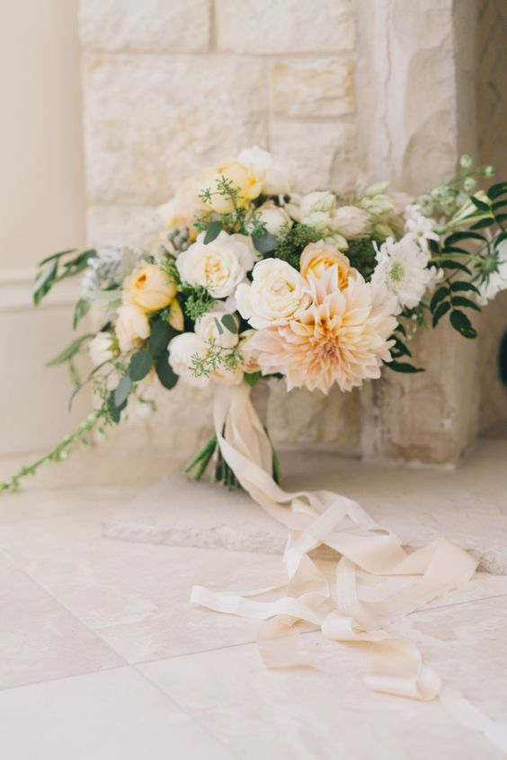 romantic fall bouquet in soft neutrals