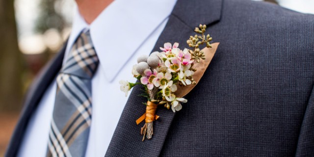 Chic groom boutonniere for fall weddings