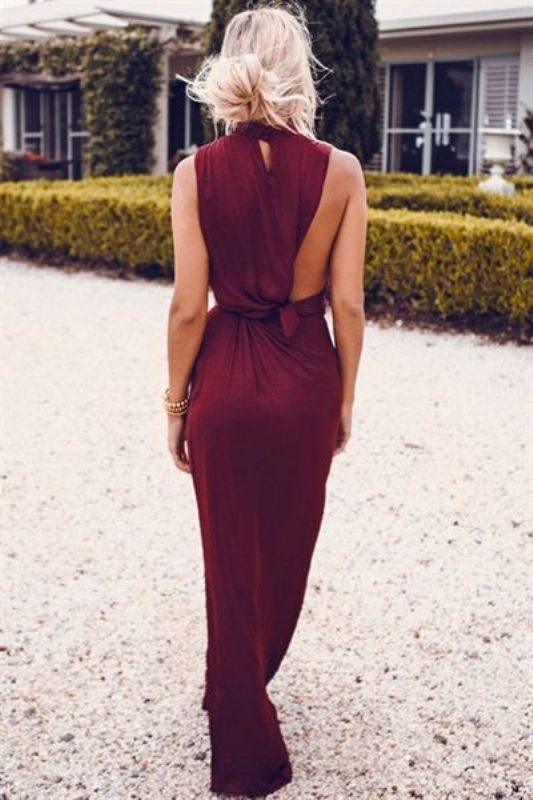 Creaitve wine-colored maxi dress