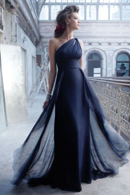 Stunning one-shoulder draped maxi dress