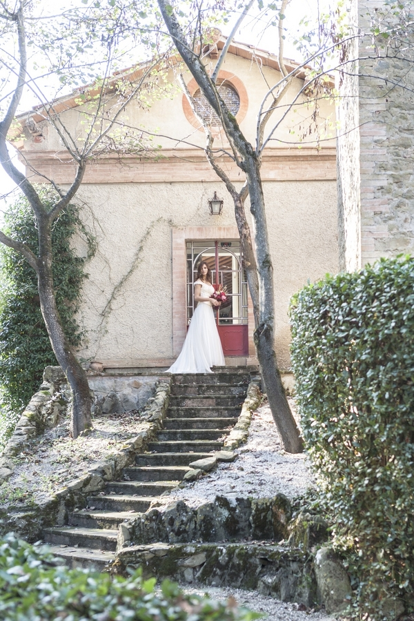 Pomegranate Inspirational Wedding Shoot In Italy