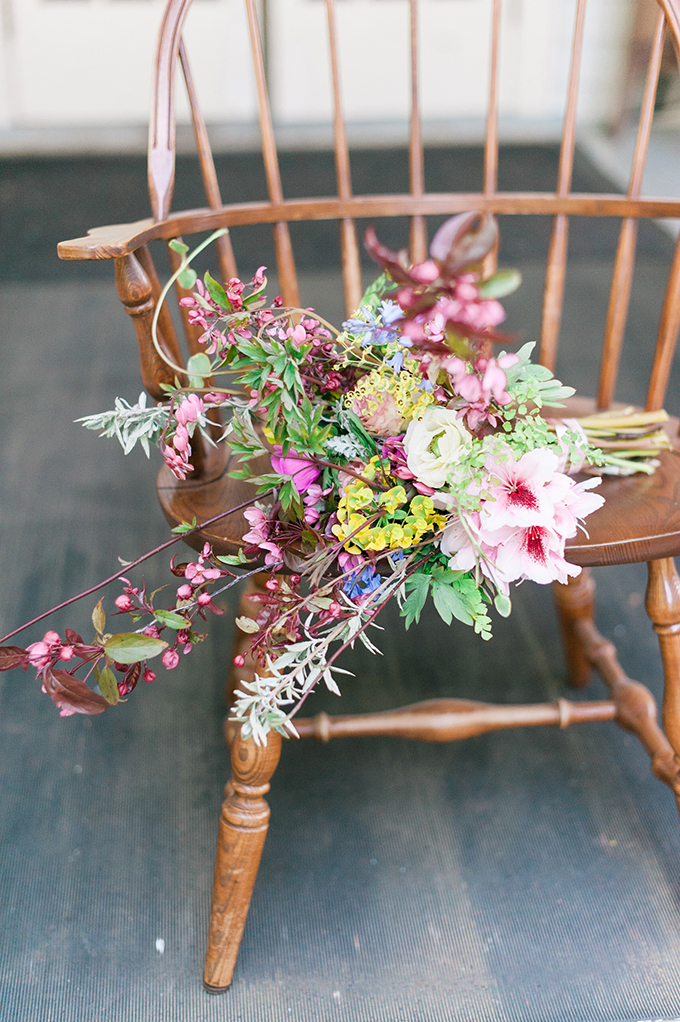 Her bouquet was made of wildflowers to highlight that it's a forest and mountain wedding