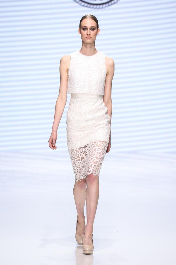 Michaal Cinco lace bridal separate  for modern fashion-forward brides