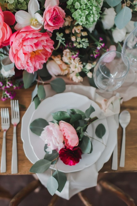 This shoot is full of inspiring ideas for a flower-filled summer wedding
