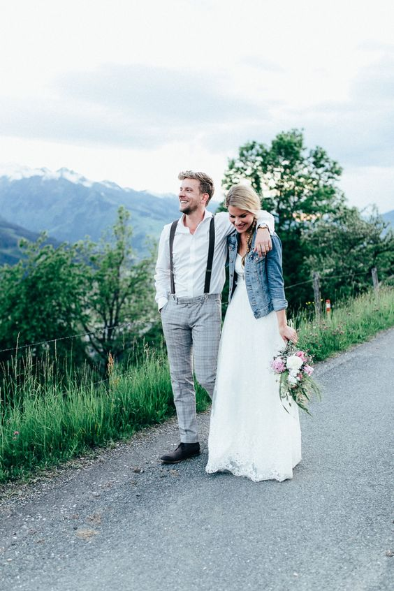 denim jacket for a relaxed and non-formal bridal look