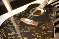 17 guitar guest book