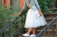 18 tulle dress, white sneakers and a bleached denim jacket for a relaxed city hall bride