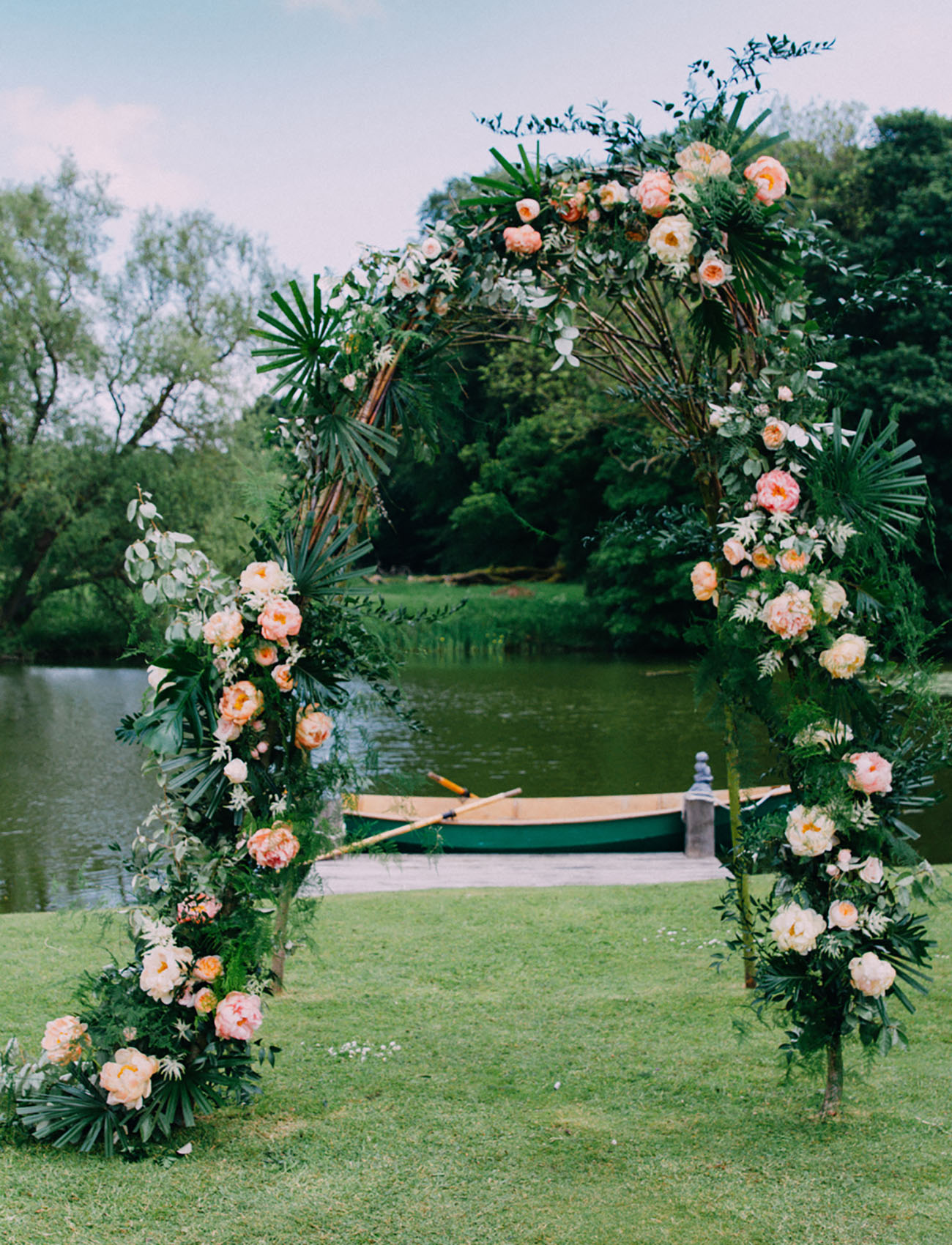 Picture Of Amazing Tropical Inspired Wedding In The English Countryside 7