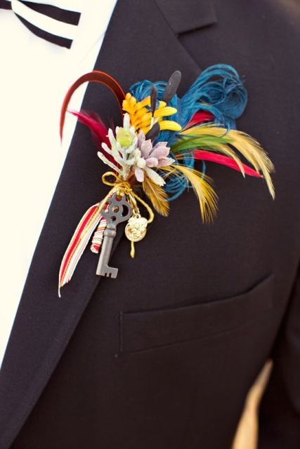 Bright color boutonniere for groom and groomsmen