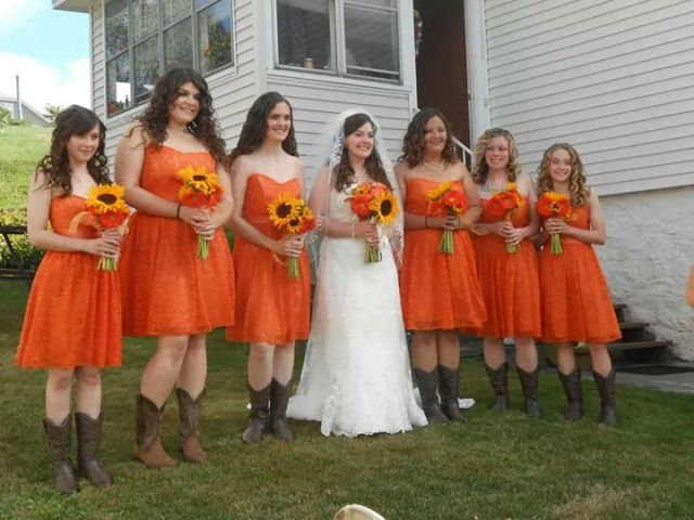 Cute knee-lendth orange dresses with cowboy boots