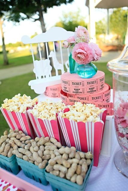 Popcorn and peanuts as wedding snacks
