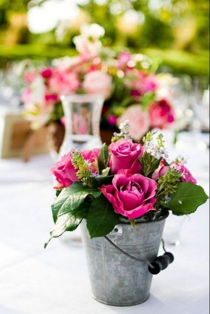 Table centerpiece with pink roses