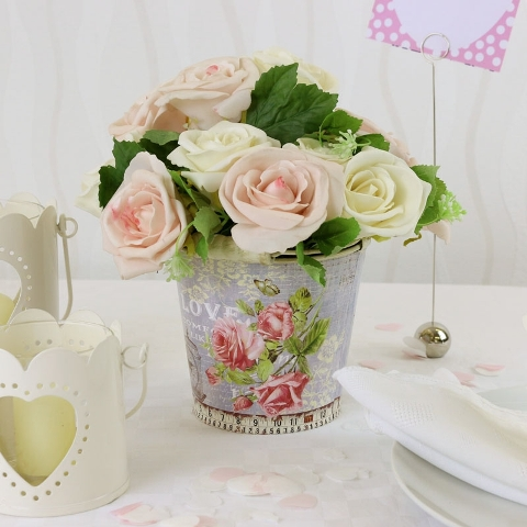 Vintage styled table centerpiece with roses