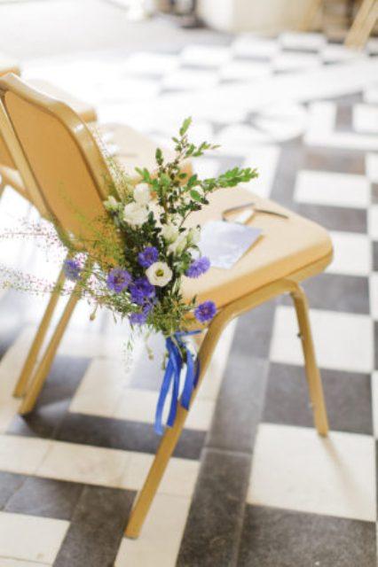 Picture Of elegant blue china manor house wedding  4