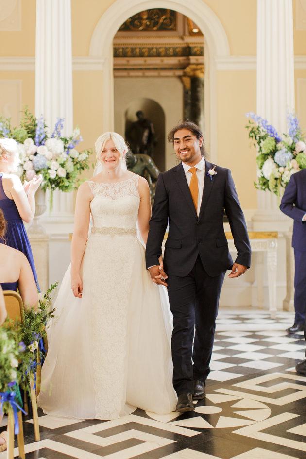 Picture Of elegant blue china manor house wedding  5
