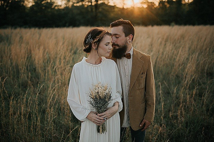 This timeless vintage shoot took place in a field at the sunset