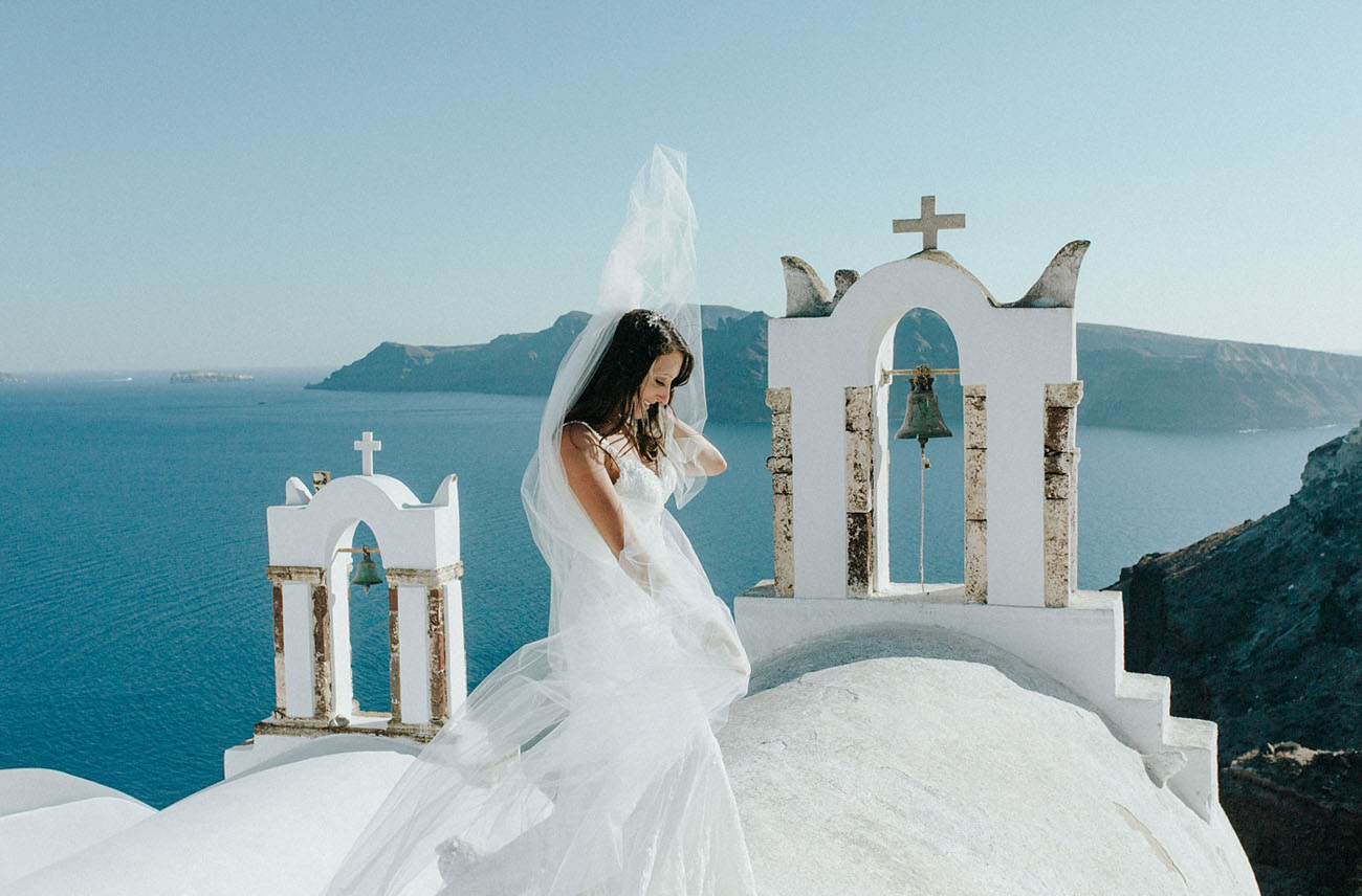 Santorini is a beautiful place itself, so you don't need many details or decorations