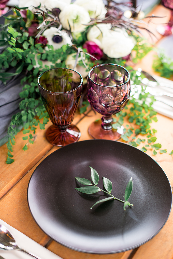 Fresh greenery enlivens the tale decor