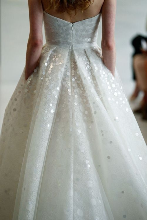 chunky sequins look like snow themselves and will perfectly fit the setting