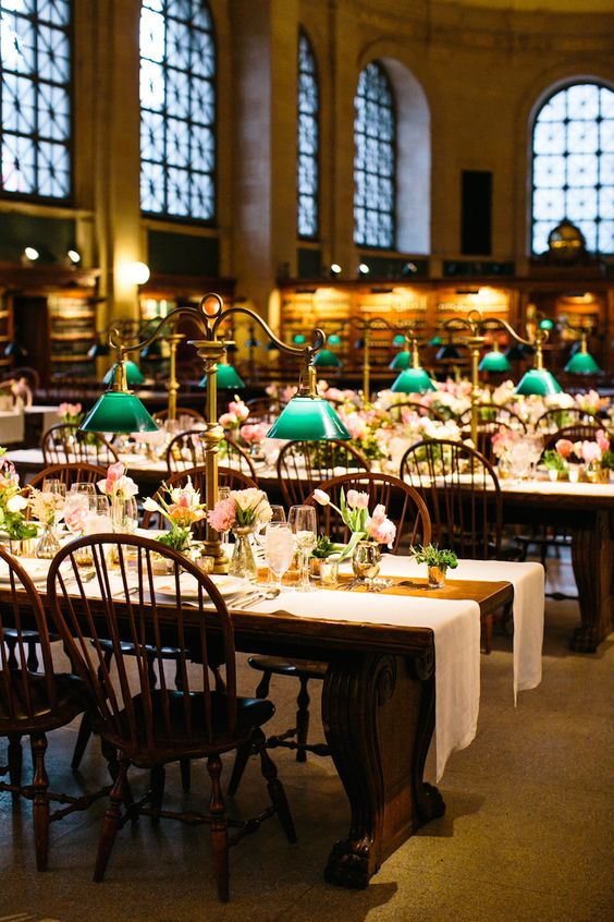 39 Chic Book Themed Wedding Ideas Weddingomania