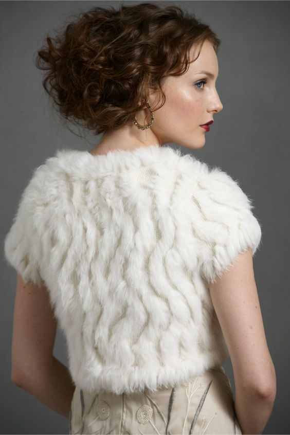 faux fur cropped vest in ivory can become a cool accessory