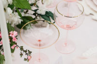 09 Blush glassware with gilded edges and a blush tablecloth are ideal for this shoot