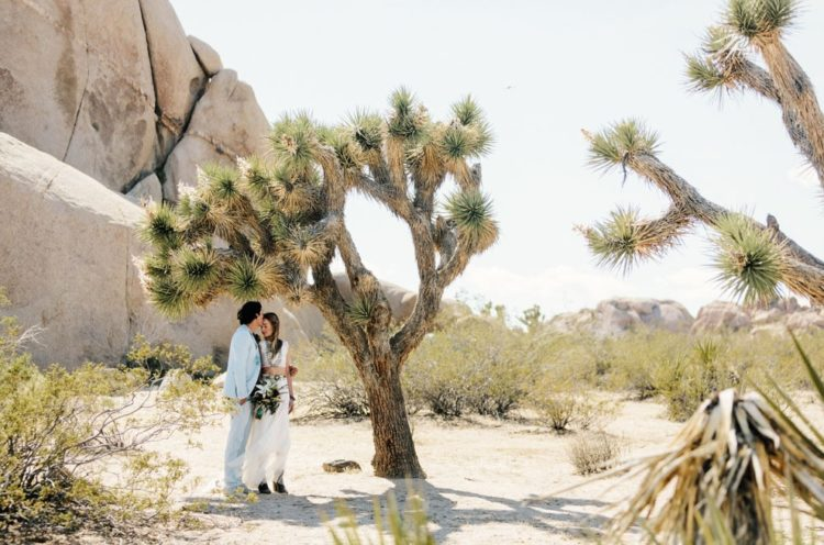 Desert landscapes became a perfect backdrop for the ceremony and pics