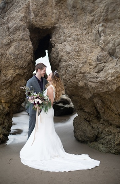 Get inspired by the shoot and organize your own perfect wedding on the beach