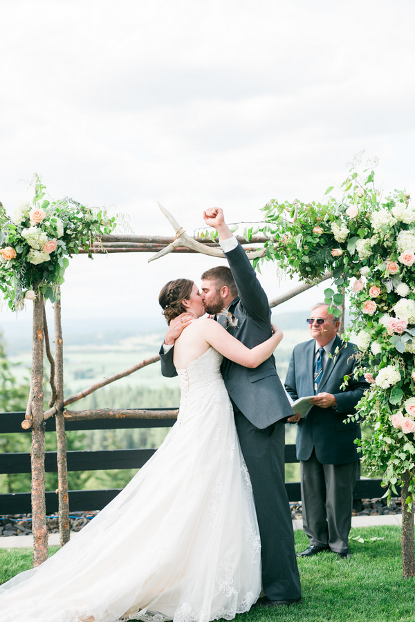 The wedding arch itself was made of tree logs to highlight the rustic vibe