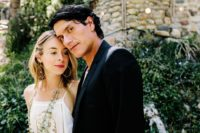 13 This beautiful couple pulled off boho and retro themes ideally