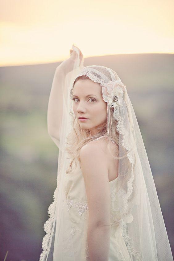 36 Beautiful Hairstyles To Rock With Veils Weddingomania